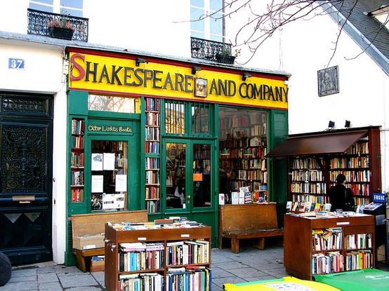 fotografija Shakespeare and company knjizare u Parizu